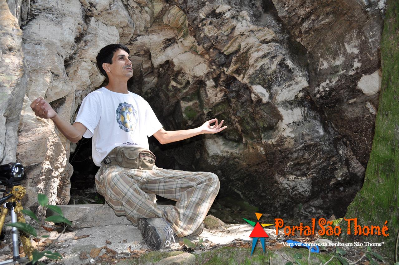 Adi Barbosa Meditando em Gratidão
