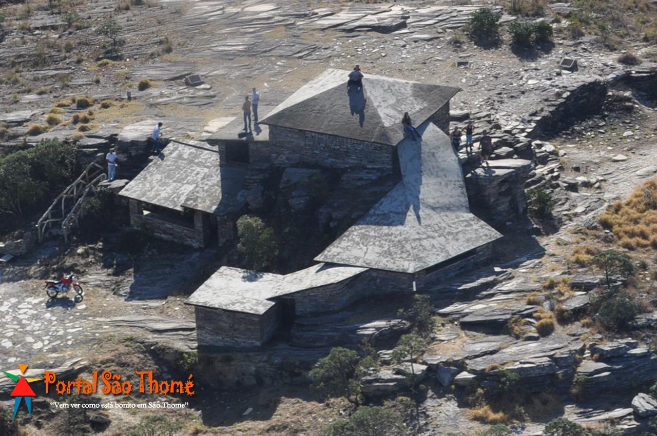 Foto Aérea da Pirâmide em São Thomé das Letras