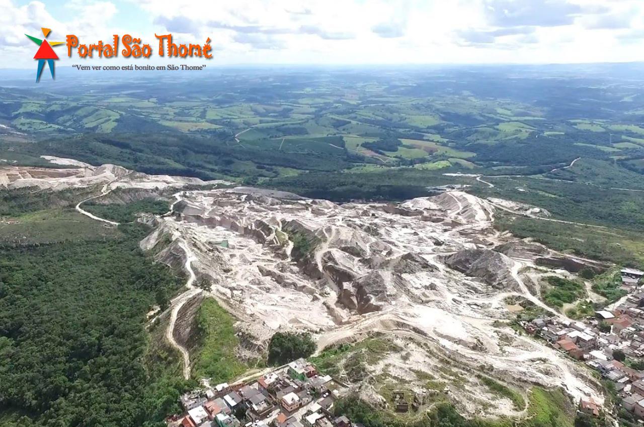 Vista Aérea da Extração de Pedras São Thomé